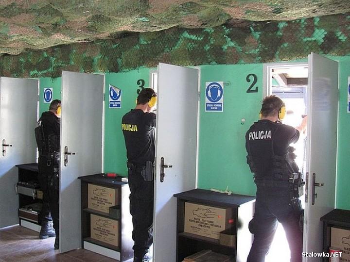 W miniony piątek na strzelnicy w Stalowej Woli przy ulicy Energetyków w turnieju strzeleckim rywalizowali stalowowolscy policjanci.