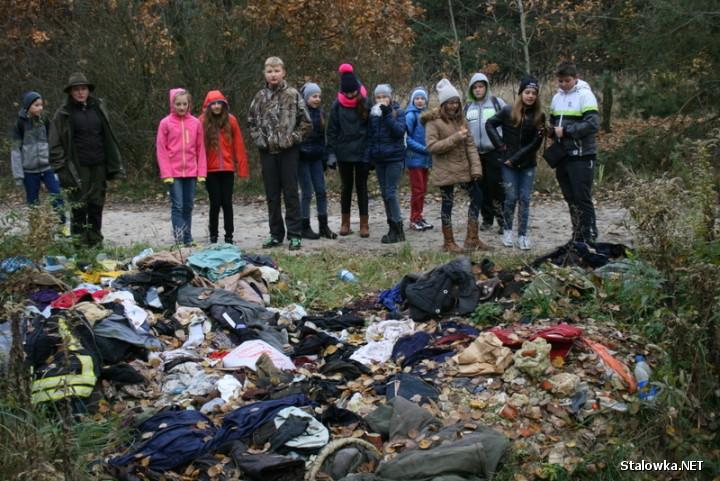 Stop dzikim wysypiskom śmieci - akcja polegała na oznaczaniu dzikich wysypisk śmieci tabliczkami specjalnie zaprojektowanymi przez dzieci i młodzież.