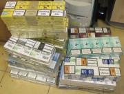 Stalowowolscy policjanci zabezpieczyli papierosy bez polskich znaków akcyzy skarbowej. Na polski rynek nie trafi 270 paczek nielegalnych papierosów.
