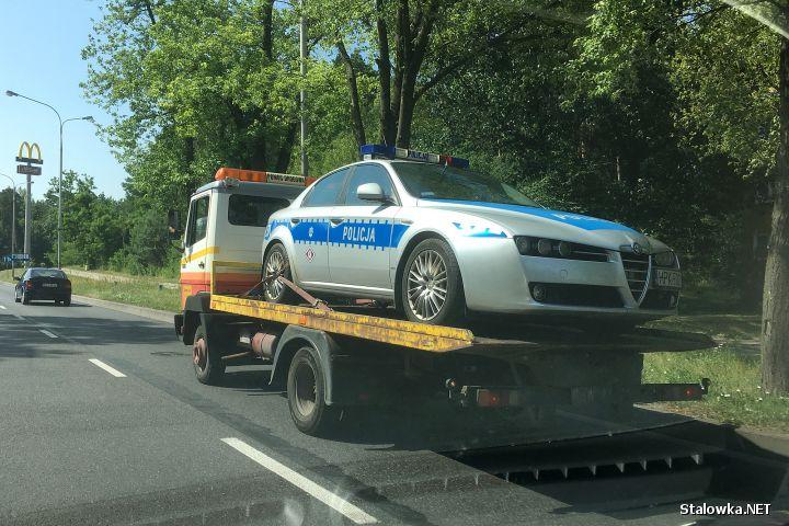 Alfa Romeo 159 do służby w stalowowolskiej policji trafiła w 2011 roku. Jest to wysłużony pojazd, bardzo awaryjny, przez co wielu nazywa go lawetą.
