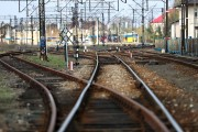Dzięki modernizacji i elektryfikacji trasy Lublin - Stalowa Wola pociągi pasażerskie będą jeździły z prędkością 120 kilometrów na godzinę. Skróci się czas przejazdu na 100 kilometrowej trasie.