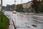 W wyniku wypadku kierujący motocyklem oraz dwie osoby piesze doznały obrażeń i zostały przewiezione do szpitala w Stalowej Woli.