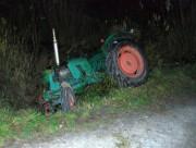 28-letni mieszkaniec powiatu stalowowolskiego odpowie za jazdę traktorem w stanie nietrzeźwości. Mężczyzna zjechał z drogi do przydrożnego rowu, gdzie ciągnik przewrócił się.