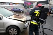Spaleniu uległa komora silnika samochodu osobowego marki skoda fabia na stalowowolskich tablicach rejestracyjnych.