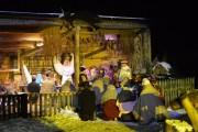 Za kilka dni, tuż po świętach Bożego Narodzenia w Kochanach w gminie Pysznica rozpoczną się jasełka. To na unikatowe w skali kraju przedsięwzięcie zaprasza wszystkich mieszkańców Stalowej Woli i okolic stalowowolski przedsiębiorca Zbigniew Koczwara.