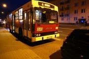 Po kilkunastu minutach po zdarzeniu autobus kontynuował jazdę.
