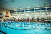 Ostatnie a jednocześnie centralne akcenty Memoriału odbyły się oczywiście na pływalni krytej Miejskiego Ośrodka Sportu i Rekreacji, gdzie start głównej Sztafety, przerwany odśpiewaniem Barki o 21:37 rozpoczął się o 19:45.
