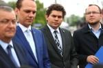 Minister Infrastruktury Andrzej Adamczyk odwiedził dziś Stalową Wolę. Jednym z punktów objętych wizytacją przedstawiciela rządu były inwestycje kolejowe i drogowe.