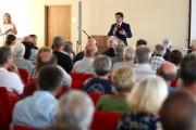 Na spotkanie przyszło ponad 200 osób. W przyszłym tygodniu odbędą się kolejne.