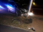 W policyjnym areszcie trzeźwieje 37-letni mieszkaniec Bełchatowa. Mężczyzna dzisiaj w nocy kierując fordem wjechał w słup oświetleniowy i znak drogowy.