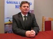 Waldemar Ślusarczyk pracuje w Powiatowym Urzędzie Pracy w Nisku. Absolwent Politechniki Rzeszowskiej. Z Gminą i Miastem Nisko związany od zawsze.