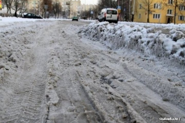 Dla samorządów i służb powiatowych odpowiednie utrzymanie dróg i chodników podczas zimy to zadanie priorytetowe.