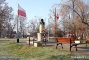 Przebudowa płyty Rynku w Rozwadowie będzie wiązała się z przeniesieniem znajdujących się tam pomników, między innymi stojącego od prawie 30 lat pomnika króla Jana III Sobieskiego.