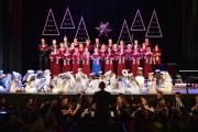 Reprezentanci wszystkich pokoleń chórzystów z Miejskiego Domu Kultury oraz Publicznej Szkoły Podstawowej nr 11 w Stalowej Woli wystąpili w miniony piątek, 11 stycznia w koncercie Narodziła nam się dobroć.