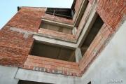 Nie wyjaśniła się kwestia wysokości odszkodowania jaką miasto będzie musiało zapłacić właścicielowi obiektu na terenie hali targowej na ulicy Okulickiego. Budynek został rozebrany w październiku 2018 roku.