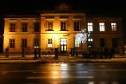 Więcej szczęścia miał budynek po dawnym Sądzie Rejonowym w Stalowej Woli, który doczekał się remontu i adaptacji na galerię Alfonsa Karpińskiego za 4,3 miliona złotych.