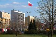 Po dłuższej przerwie flaga Polski powróciła na 18-metrowy maszt w centrum Stalowej Woli.