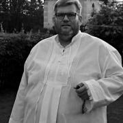 Śp. Piotr Nowak pochodził ze Zmiennicy koło Brzozowa na Podkarpaciu. W latach 1998-2002 pełnił posługę w Klasztorze Braci Mniejszych w Rozwadowie.
