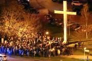 Ciekawym wydarzeniem była organizowana miejska droga krzyżowa. W Stalowej Woli w ubiegłym roku wyremontowano błonia nad Sanem. Nasz Czytelnik podsunął pomysł, że dobrym pomysłem byłoby nabożeństwo właśnie tam.