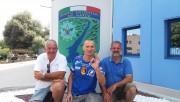 Młodszy chorąży Sebastian Marczewski (w środku) z 3 Batalionu Inżynieryjnego w Nisku, weteran wojenny poszkodowany w Afganistanie, mieszkający w Stalowej Woli, prywatnie bije rekordy ekstremalnego nurkowania na światową skalę.