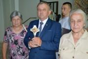 Relikwię krwi księdza Jerzego Popiełuszki wniosła do kościoła rodzina błogosławionego kapłana.
