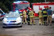 Na miejscu wypadku pracowali policjanci ze stalowowolskiego wydziału ruchu drogowego oraz strażacy. Bezpośrednio po zdarzeniu auta zjechały na okoliczny parking.
