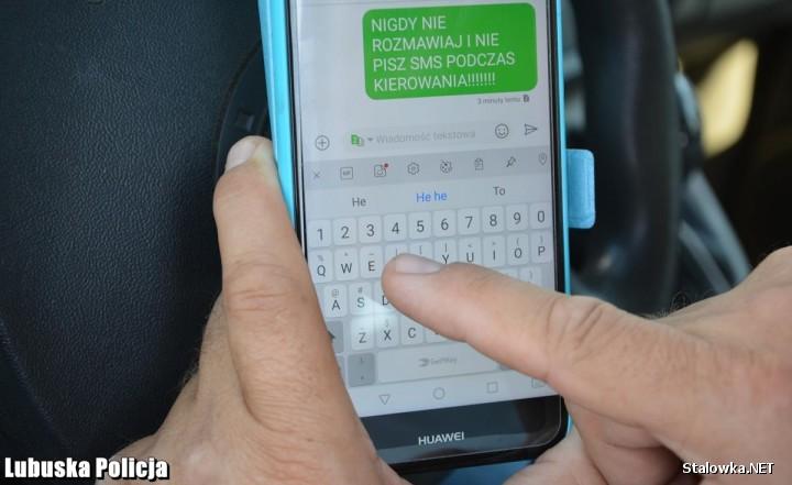 W dwa dni funkcjonariusze skontrolowali 76 kierowców, z czego 14 kierowców nie zastosowało się do zakazu korzystania z telefonu podczas jazdy.