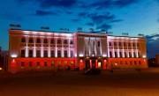Oprócz nowej elewacji MDK zyskał również iluminację. - Z okazji świąt narodowych, uroczystości państwowych będzie podświetlony na biało - czerwono. W sumie mamy do dyspozycji pięć kolorów: biały, czerwony, zielony, niebieski i fioletowy - wyjaśnia Marek Gruchota.