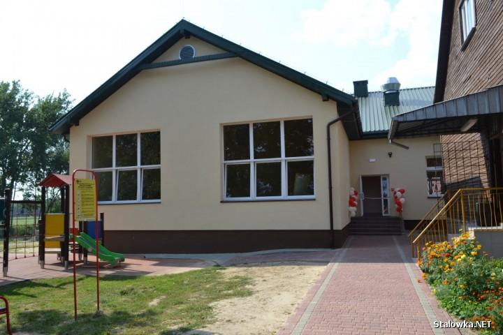 Prace przy budowie nowego skrzydła szkoły trwały od czerwcu 2018 roku i zakończyły się zgodnie z zaplanowanym harmonogramem robót w lipcu tego roku.