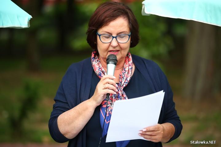 Działacze i sympatycy Stalowowolskiego Porozumienia Samorządowego, byli organizatorami w Parku Miejskim Prawdziwego Narodowego Czytania.