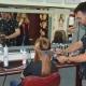 Stalowa Wola: Carlos - hiszpański mistrz fryzjerstwa, dał pokaz modelowania fryzur