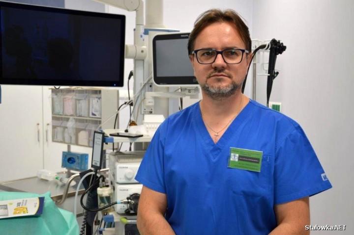 Doktor Tomasz Kiszka, kierownik Pracowni Endoskopowej w Powiatowym Szpitalu Specjalistycznym w Stalowej Woli.
