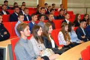 Studenci usłyszeli, że studia na Wydziale Mechaniczno-Technologicznym w Stalowej Woli charakteryzują się dużą ilością praktyk w zakładach przemysłowych.