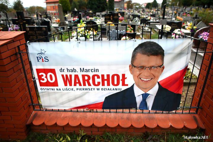 Banner wyborczy kandydata Prawa i Sprawiedliwości, nomen omen wiceministra sprawiedliwości. Marcin Warchoł kandyduje na posła.