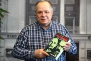Pochodzący ze Stalowej Woli dziennikarz, publicysta, poeta, pisarz, Henryk Nicpoń, w przesłanym do mediów apelu, zachęca aby w najbliższych wyborach głosować na ludzi w regionu, nie tzw. spadochroniarzy.