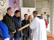 Po przemówieniach miało miejsce podpisanie Aktu Erekcyjnego oraz wmurowanie kamienia węgielnego w nowo powstającą salę gimnastyczną.
