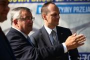 Od lewej: minister infrastruktury Andrzej Adamczyk i wiceminister infrastruktury Rafał Weber.
