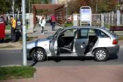 Kiedy kierowca wracał, zatrzymał się. Na miejscu zdarzenia były obecne służby ratunkowe i policja.