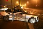 Do groźnie wyglądającej kolizji doszło na skrzyżowaniu z sygnalizacją świetlną nieopodal salony samochodowego.