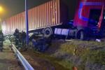 Do tragedii doszło na drodze ekspresowej S19 w Sokołowie Małopolski. Na miejscu zginął 48-letni mieszkaniec powiatu stalowowolskiego.