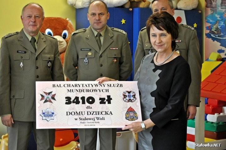 Po 23 latach pracy dyrektor Domu Dziecka Jadwiga Stępniewska przeszła na emeryturę.