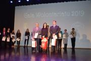 Nagrodzeni wolontariusze roku, od lewej Rafał Banasik, Agnieszka Żymek i Hubert Bojarski.