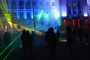 Po wspólnym odliczaniu przywitany został Nowy Rok pokazem laserowym.