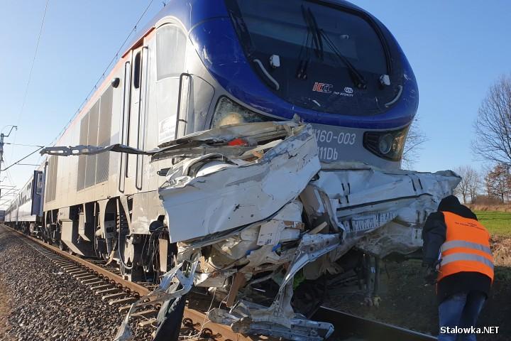 Do groźnego wypadku doszło na przejeździe kolejowym w Antoniówce (gmina Zaklików).