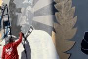 Ekipa Osiedlowych fresków ściennym portretem na budynku na ulicy Okulickiego 34, postanowiła upamiętnić boksera Lucjana Trelę, w pierwszą rocznicę jego śmierci.