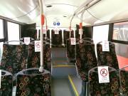 W autobusach miejskich pojawiły się specjalne oznaczenia, gdzie nie należy siadać.
