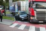 Na Alejach Jana Pawła II w Stalowej Woli doszło do kolizji samochodu ciężarowego z osobowym. Nikt nie ucierpiał.