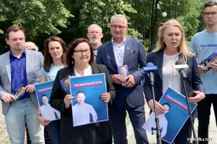W Stalowej Woli działacze i sympatycy Koalicji Obywatelskiej zachęcali do pójścia do wyborów i oddania głosów na Rafała Trzaskowskiego.