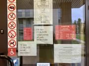 W związku z ujawnieniem osoby zakażonej koronawirusem w Urzędzie Pocztowym nr 1 na ulicy Popiełuszki w Stalowej Woli, placówkę zdezynfekowano. Ograniczono również godziny pracy.