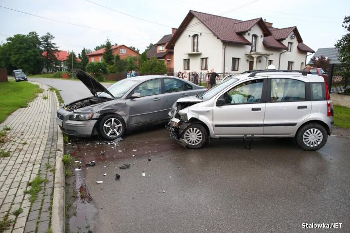 W Turbi doszło do wypadku drogowego. Ranna jedna osoba.